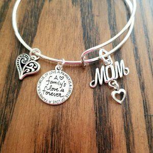 MOM Charm Bracelet Family's Love is Forever